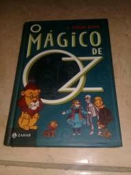 """Livro """"Mágico de oz"""""""