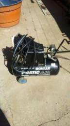 Compressor de ar comprimido em perfeito funcionamento com 10 metros de borracha com engate