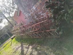 Vende-se Torre de ferro para Antena de Rádio Desmontada