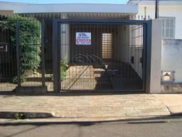 Casa à venda com 2 dormitórios em Centro, Jaboticabal cod:V1933