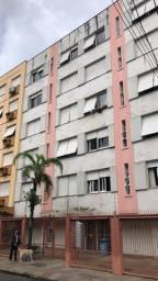 Apto 2 dormitórios, reformado, 70 metros com vaga na Demétrio Ribeiro R$ 309 mil
