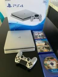 PlayStation 4 slim / 500gb / Em ótimo estado !