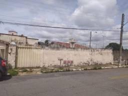 Casa com 3 quartos - Bairro Setor Coimbra em Goiânia