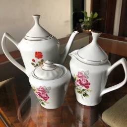 Título do anúncio: Conjunto de porcelana café / chá 3 peças