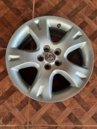 Título do anúncio: Jogo de rodas do Corolla, aro 16, original, com as tampinhas  1.400, waltzapp *