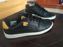Tênis Nike Court 39