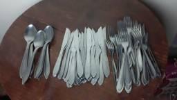 Vendo garfo, faca e colher inox stainless grande