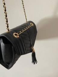 Bolsa couro preta ( estilo chanel )