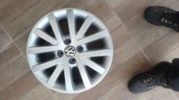 Tenho 4 rodas aro 15 original do Volkswagen