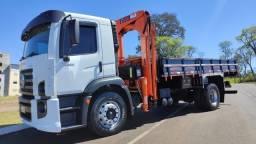 Título do anúncio: 17-250 2009 com munck de 12.5 toneladas