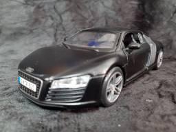 Miniatura Audi R8 escala 1/24