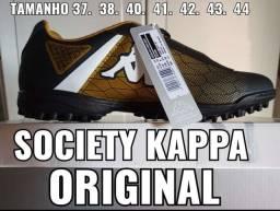Título do anúncio: Chuteiras para areninhas kappa original