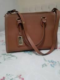 Linda e elegante bolsa Arezzo