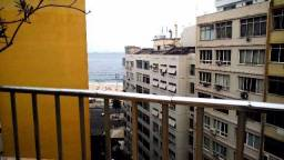 Vaga para moças em Copacabana