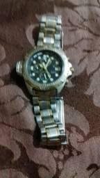 3b8ce9839a7 Vendo um citizen aqualand série ouro 6 ponteiros fundo preto.