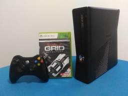 (Garantia) Xbox 360 + Jogo corrida Grid + Controle Sem-fio (Parcelamos)