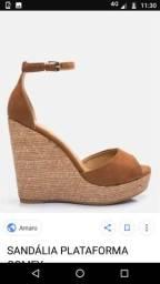 Alguém que venda sandália plataforma??