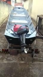Barco com motor e carretinha - 2003