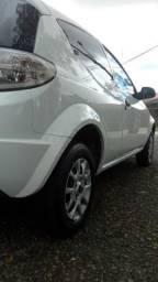 Ford Ka 1.0 Flex completo em ótimo estado - 2013