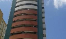 Ed. Rio San Juan - três quartos sendo um suíte, 120 m2, duas vagas soltas