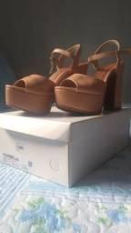 Vendo sandália da karmelia plataforma