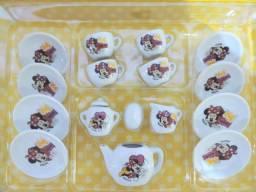 Kit chazinho de porcelana da Minnie