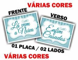 Placas Divertidas de Casamento - Lá Vem a Noiva / Enfim Casados / Lilás Rosa / Vintage