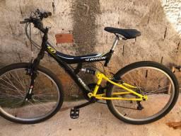 Bicicleta usada pouquíssima vezes