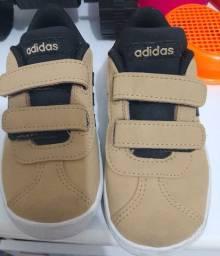 Tênis Adidas Vector Infantil tamanho 23 em excelente estado!