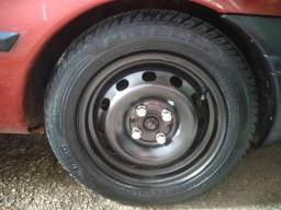 Rodas 14 de ferro com pneus