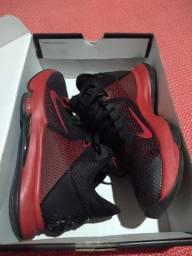 Tênis Nike LEBLON Whitness IV..N°39 = 7.5