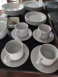 Conjunto de Louça de porcelana