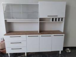 Armário de cozinha em excelente estado de conservação. Apenas 1 ano de uso.
