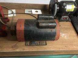 Motor de 2cv, 3525 rpm, 110 e 220 volts