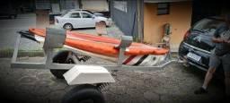 Carreta de Encalhe para pequenas embarcações com 02 Caiaques com fundo transparente