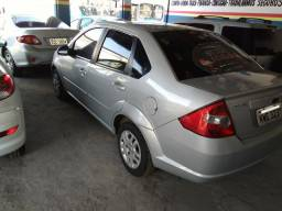 Ford Fiesta Sedan 1.6 financio sem entrada - 2009