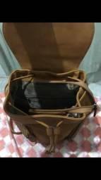Bolsa linda de couro