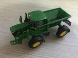 Miniaturas de máquinas agrícolas