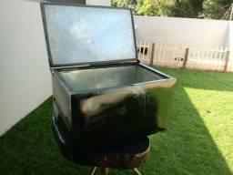 Caixa térmica 180 litros