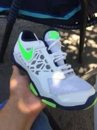 Tênis Nike Flex Supreme TR4