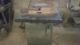 Marcinaria e maquinas e móveis