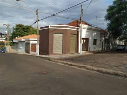 Casa com 3 dorms, Aparecida, Jaboticabal - R$ 155 mil, Cod: 2