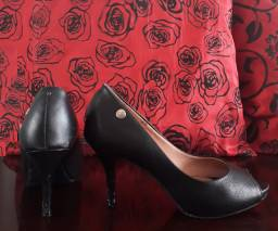 Sapato Peep Toe Preto n° 34