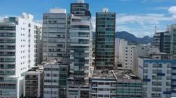 Apartamento 3 quartos para locação anual na Praia do Morro com frente total para o mar em