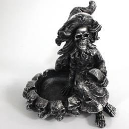 Cinzeiro Bruxa Esqueleto de Resina (Delivery)