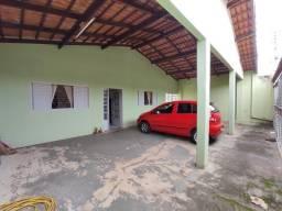 Casa de 4/4 n setor riviera em goiania de esquina