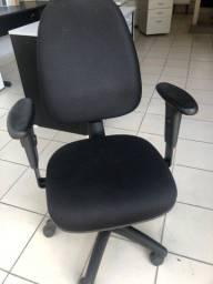 Título do anúncio: Cadeira giratória black sister