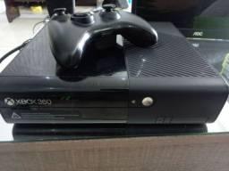 Título do anúncio: Xbox 360 semi novo + jogos