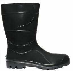 Título do anúncio: Bota de PVC - Preta cano médio - tamanho 41