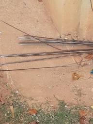 4 Barra de ferro 5,16 e 3 barrabde ferro fina de armaçao de laje